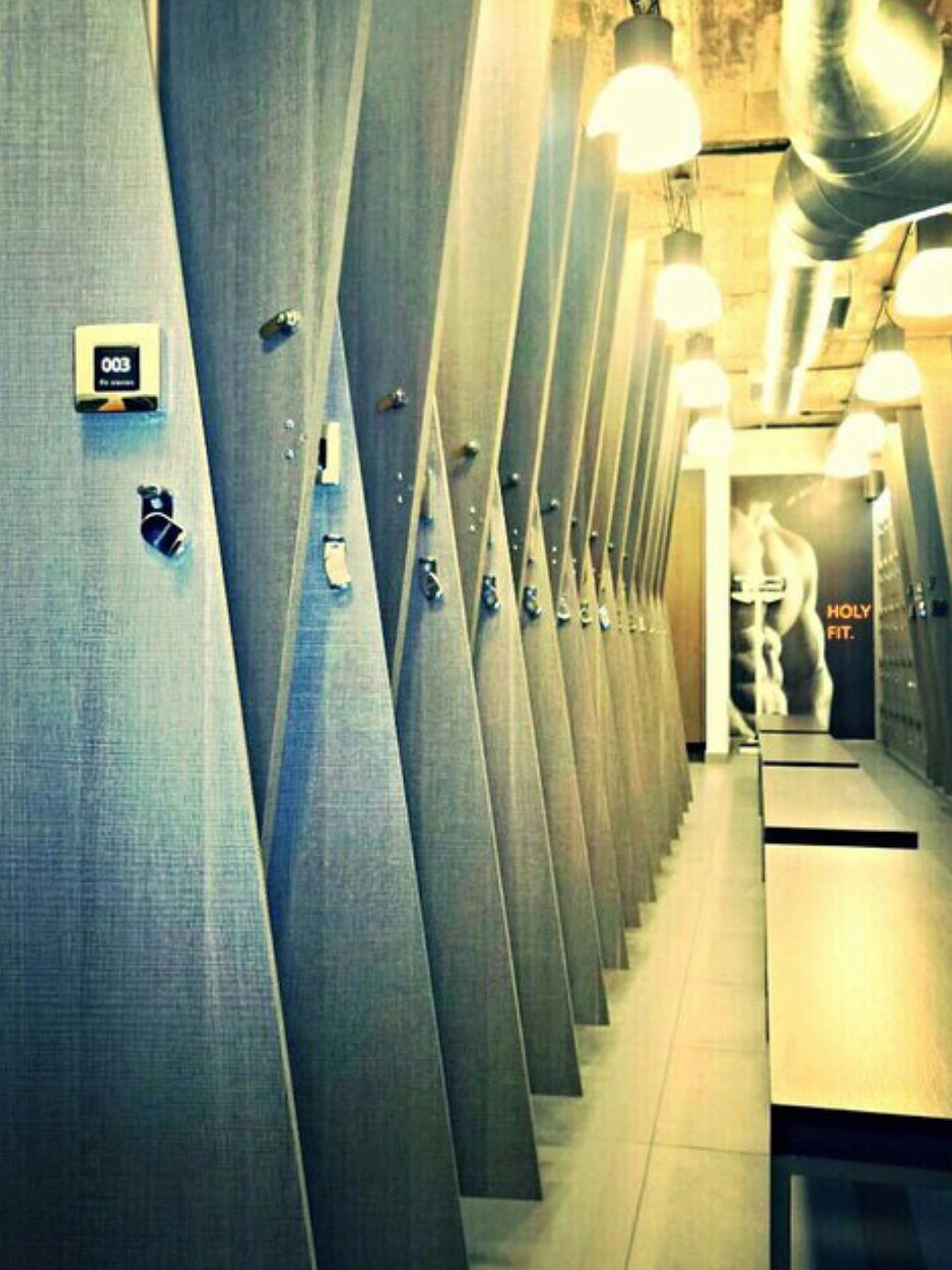 Menu0027s Locker Room At Magma Gym, Amman Jordan
