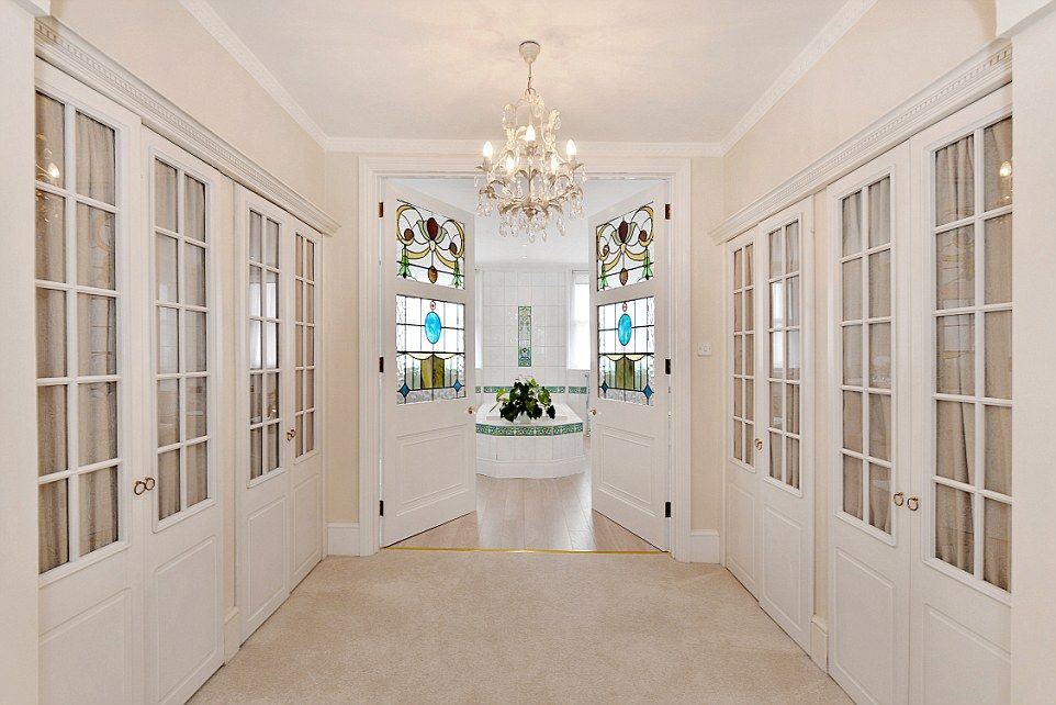 Inside The My Fair Lady Mansion House Prices Mews House House