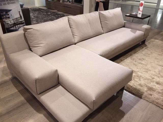 Divano Doimo Sofas modello Logan con chaise longue, in tessuto con ...