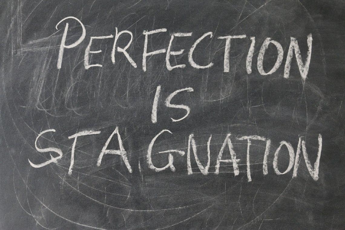 Niemand is perfect. Perfectie bestaat simpelweg niet. Perfectie, voor zoverre dit begrip tot de mogelijkheden behoort, is persoonlijk. Wat voor de een perfect is, is voor de ander verre van pe