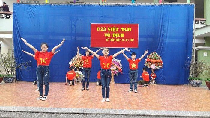 Áo cờ đỏ sao vàng trường tiểu học Đề Thám - Hình 4