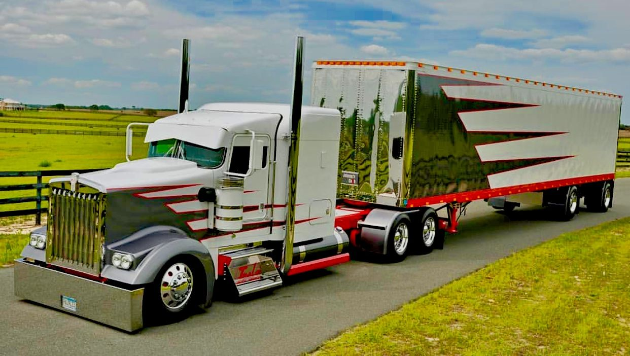 Classic Semi Truck With Images Big Trucks Kenworth Trucks