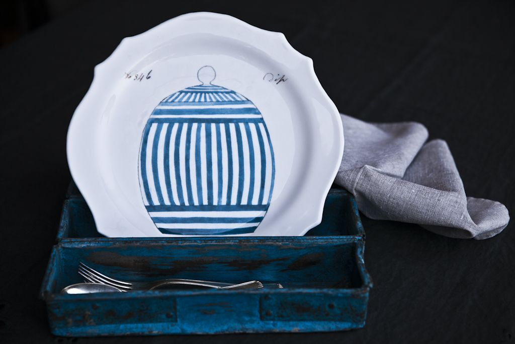 Dip Stripes, despite its ceramic look, it is completely handmade with glass - €76.00 #glass #plate #handmade #stripes #art www.dishesonly.com/products/dip-stripes-printed-glass-dinner-set?variant=935874561