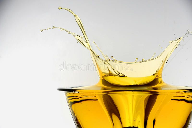 Oil Splash Side View Of Cooking Oil Splashing In Container Studio Background Sponsored View Cooking Side Oil Oils Palm Leaf Art Stock Images Free