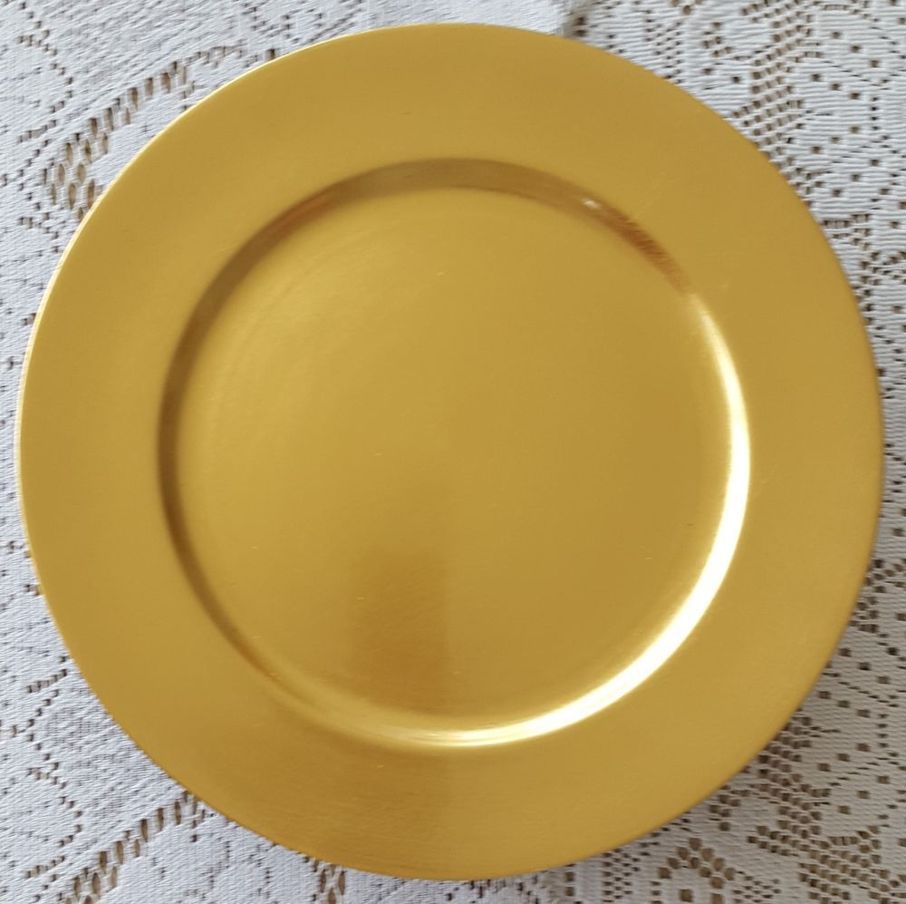 Set Of 12 Royal Gallery Gold Charger Plates Plastic Rustic 13 Christmas Holiday Royalgallery Chargerplates Gold Charger Plate Charger Plates Holiday Tables
