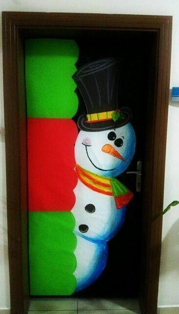 puerta escolar decorada del mes de diciembre navidad
