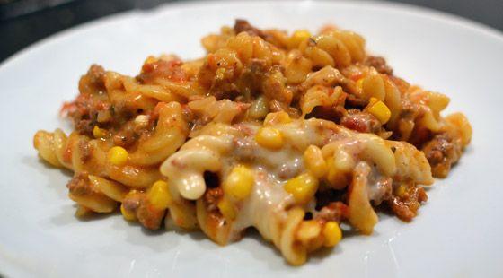 Nem og lækker ★★★★★ opskrift på pastagratin med oksekødsfyld.  ✓ Ingrediensliste ✓ Fremgangsmåde ✓ Hurtigt og nemt
