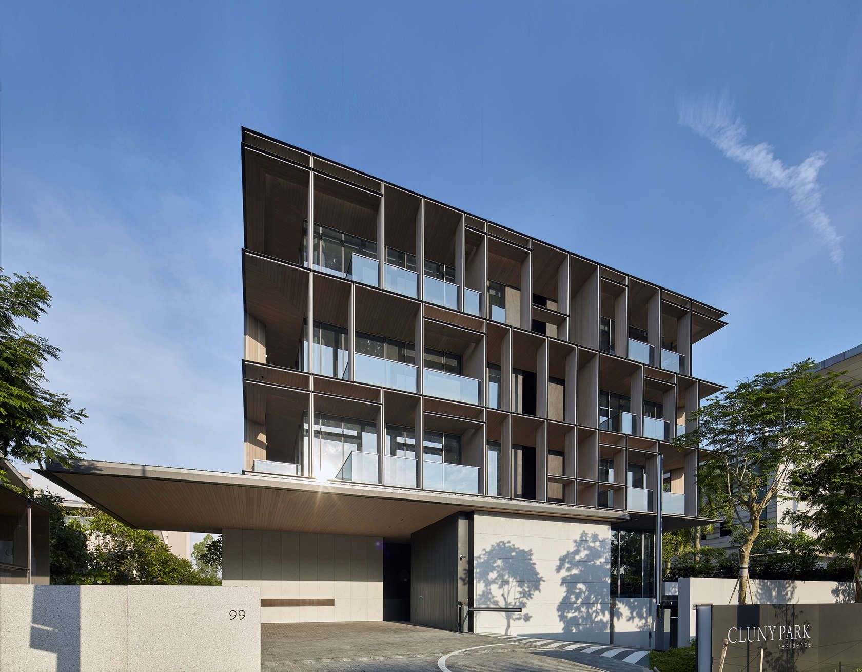 Set In A Lush Tropical Landscape Across The Street From The Singapore  Botanic Gardens, Cluny Park Residence Comprises 52 Units Positioned Over  Four Storeys, ...