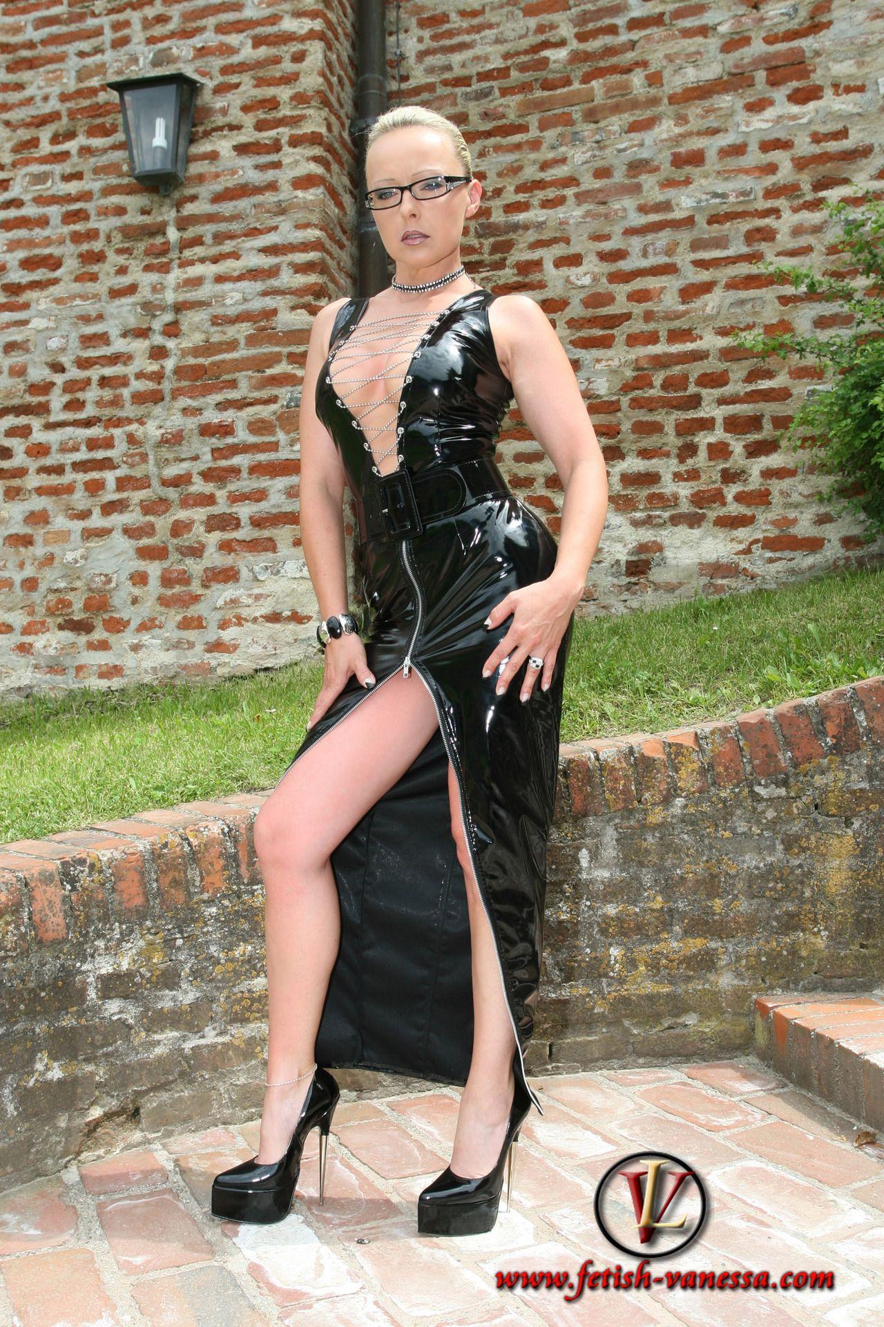 Pin auf fetish lady vanessa & comtesse monique