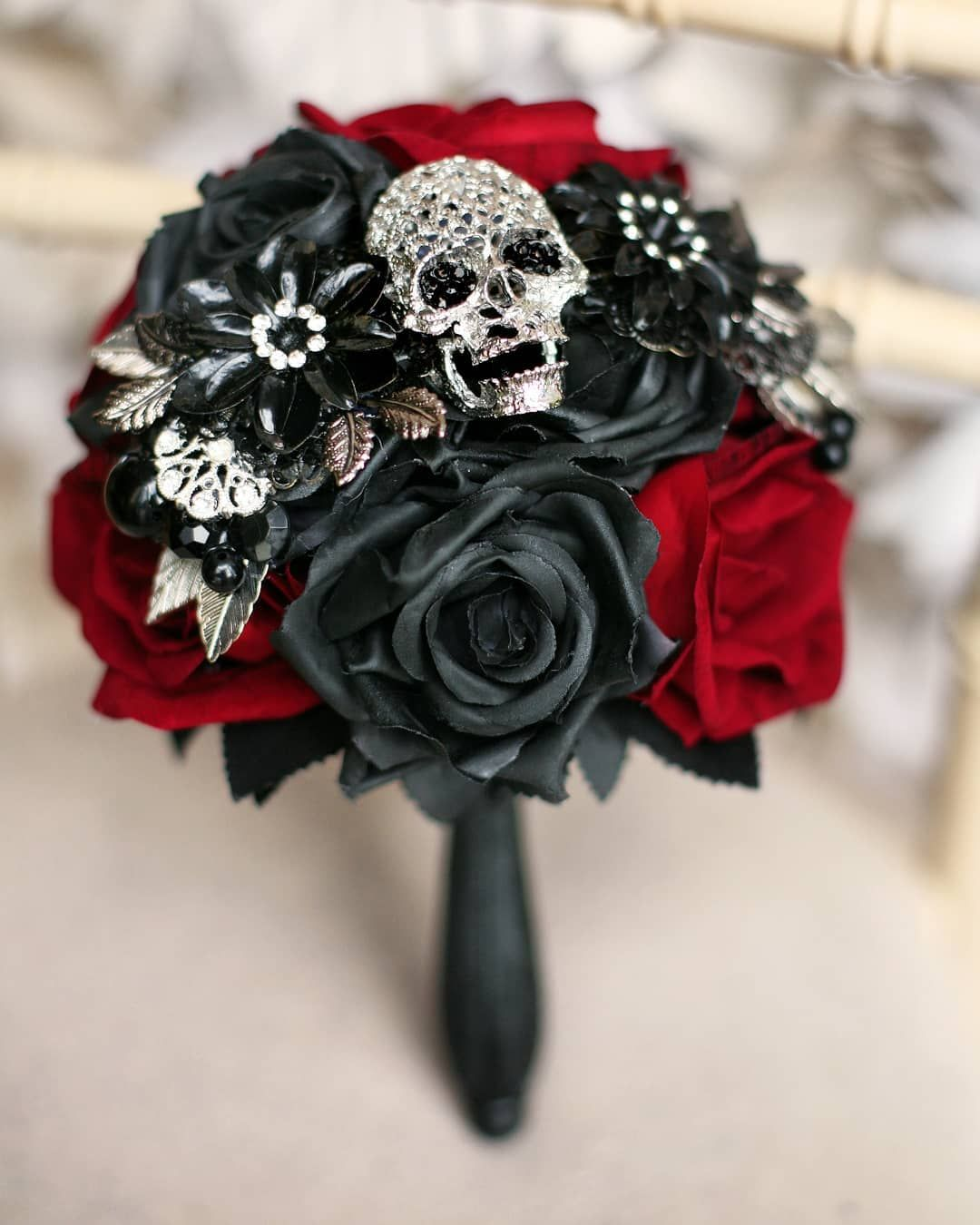 Gothic skull bridesmaid bouquet priced £70 Available to