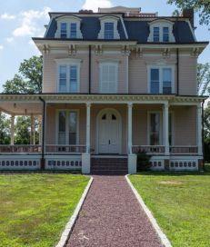 Original Apostle House In Garden City Long Island Ny Garden