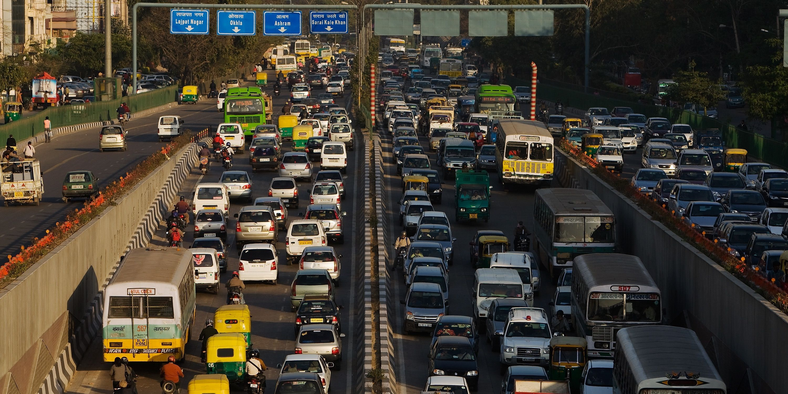 JSW Plans To Bring Electric Cars to India to Reduce