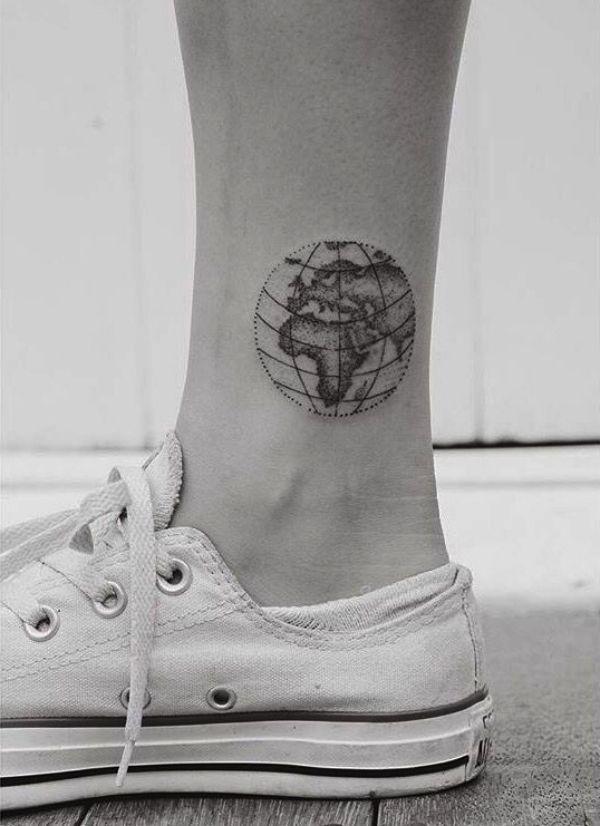 135 Small Tattoo Designs With Powerful Meaning Tatouage Mappemonde Tatouages De Globe Tatouage