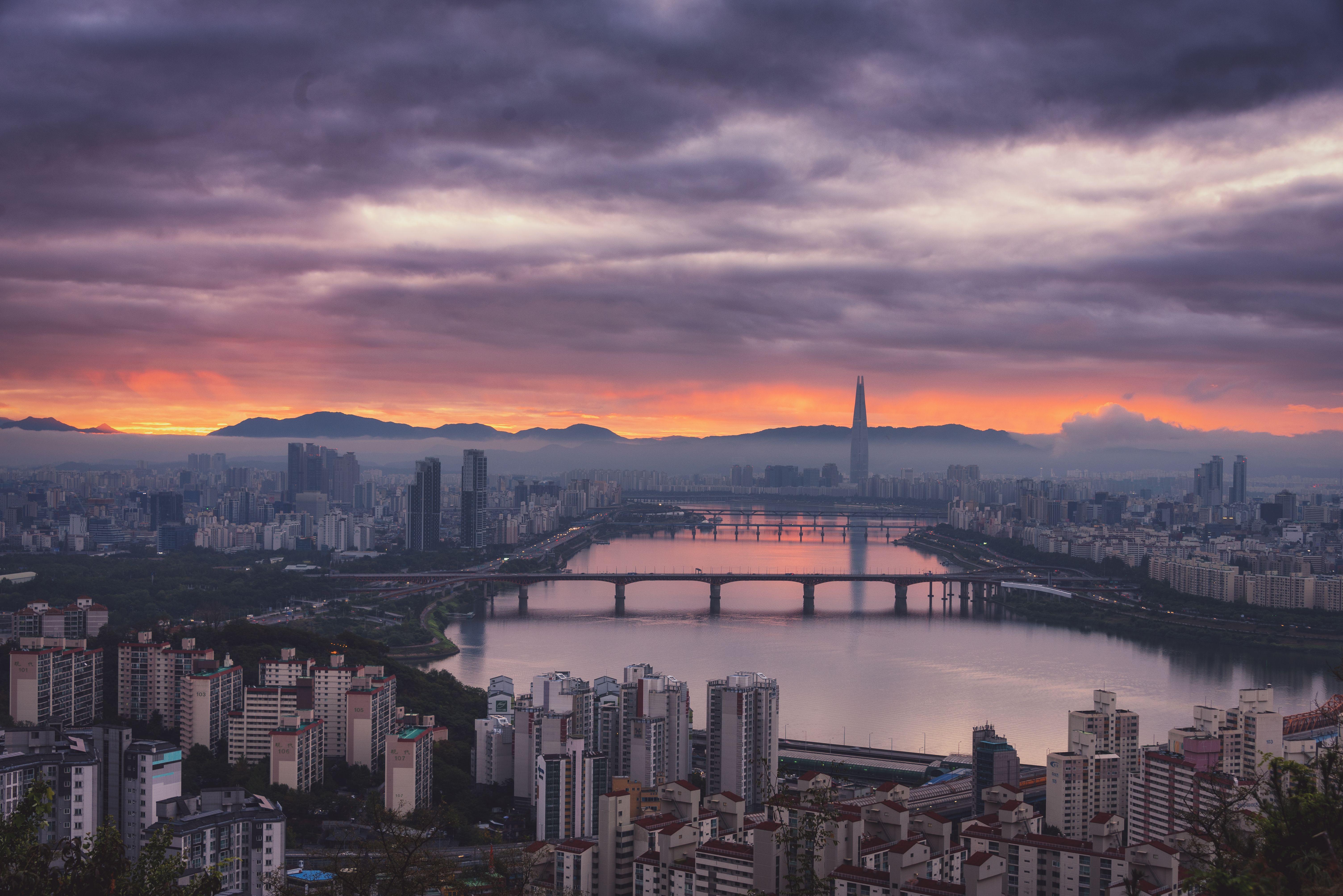 Morning Fog Over Han River Seoul South Korea 60164016