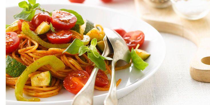 spaghettis v g tariens aux poivrons tomates cerise et. Black Bedroom Furniture Sets. Home Design Ideas