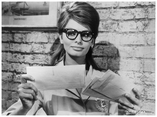 1beafb5faef Sophia Loren- makeup with glasses
