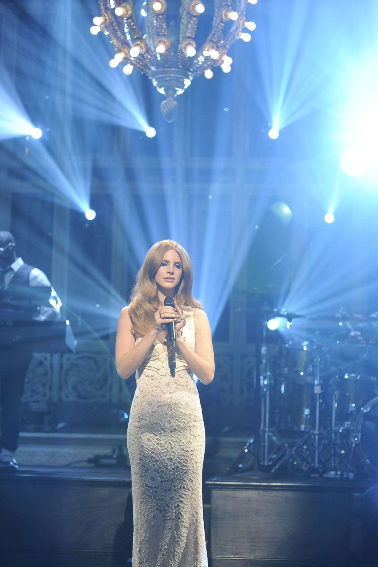 Lana Del Rey | White lace dress long, Lace white dress