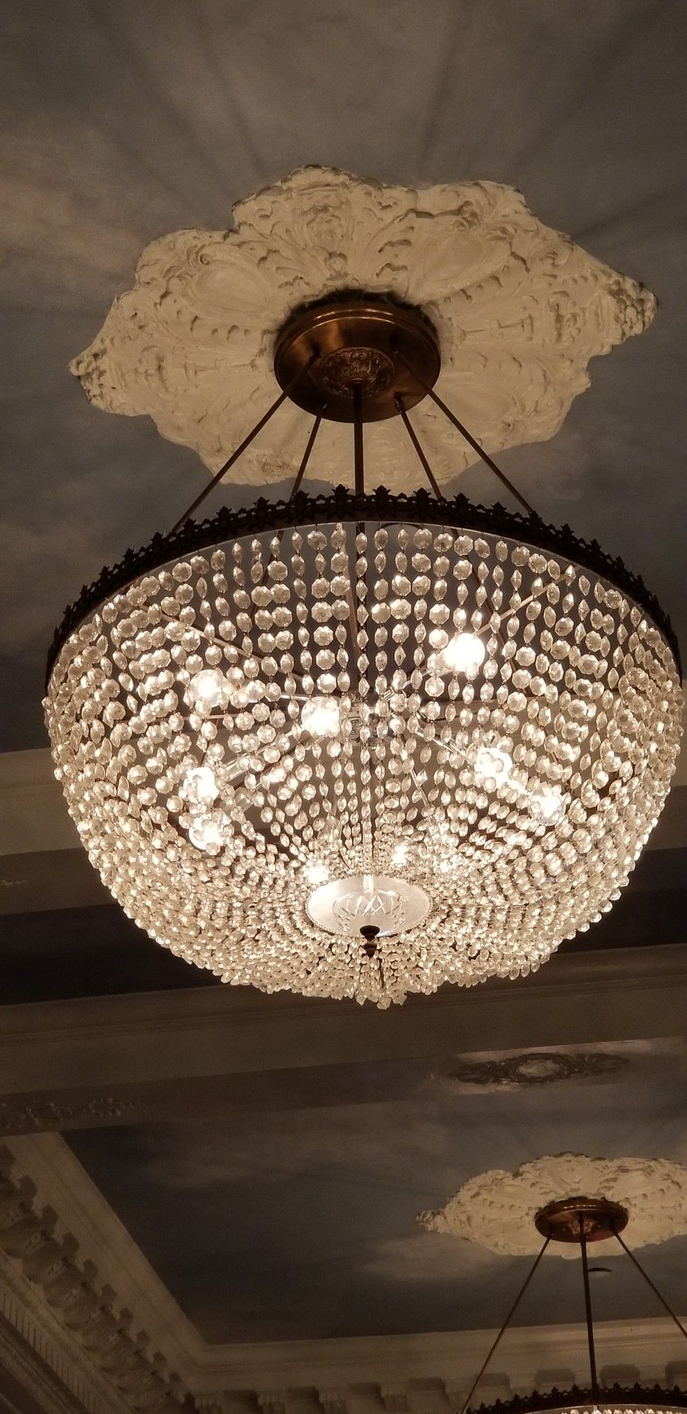 Chandelier at the hotel jefferson in richmond virginia