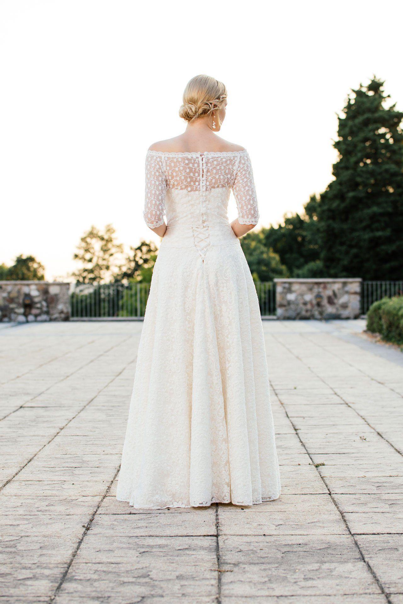 Brautkleid A-Linie mit Spitzenmix in edlem Vintage Stil. Tilda ist