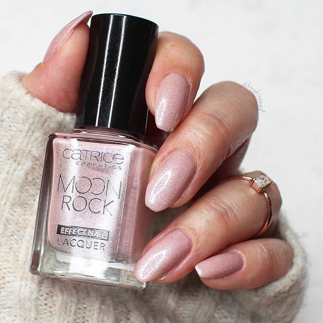 Another photo of my ballerina shaped nails i think almond shaped i think almond shaped nails suit me the best so i actually already went back to that shape whats your favorite nail shape on yourself solutioingenieria Images