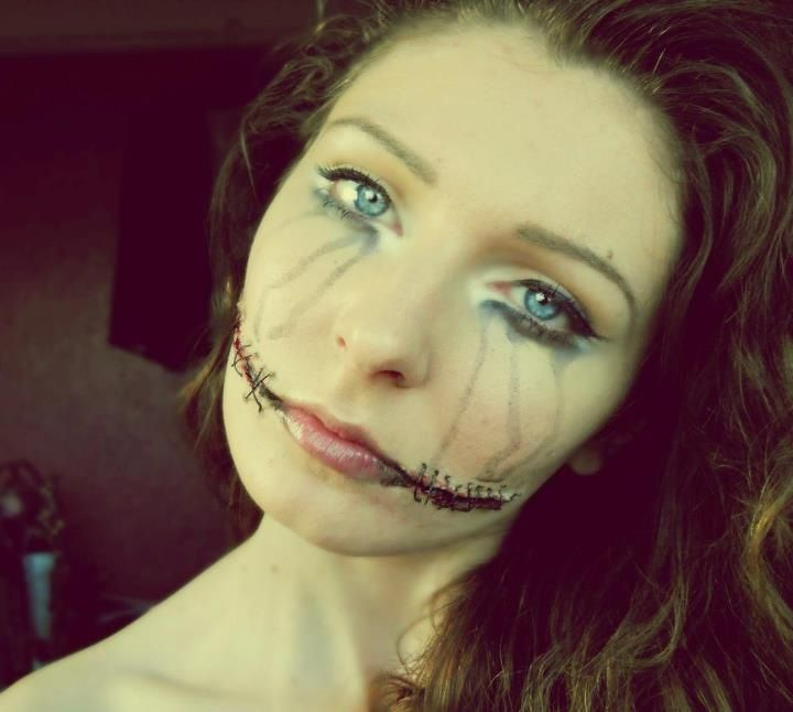 Stitched Chelsea grin | Costume make-up | Pinterest
