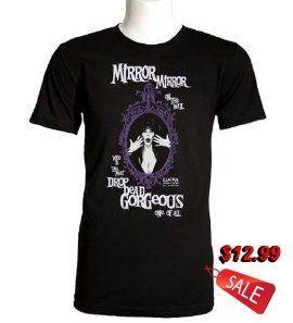 "Elvira ""Mirror, Mirror On The Wall"" Men's T-Shirt"