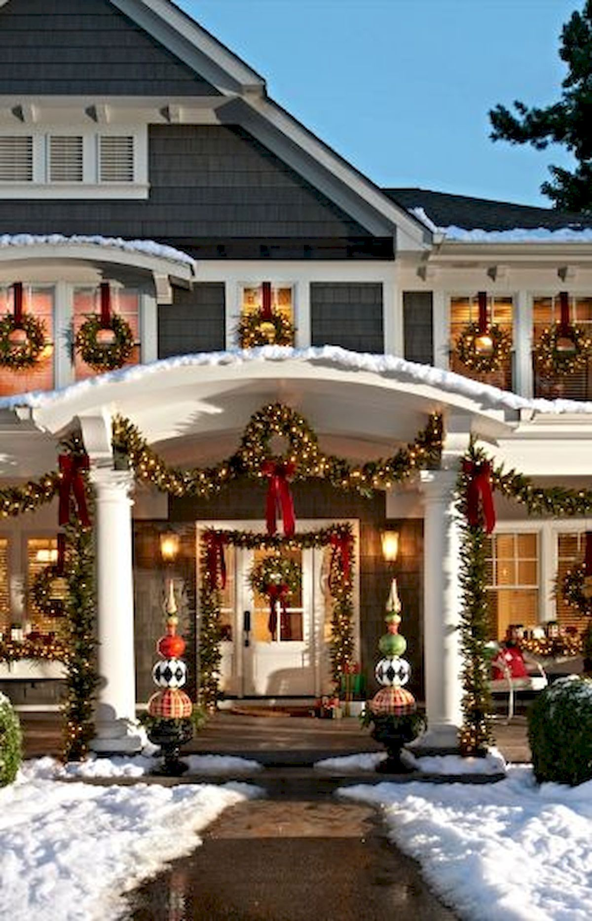 Awesome 50 Stunning Front Porch Christmas Lights Decorations Ideas Https Roomadness Co Outdoor Christmas Decorations Christmas Porch Outdoor Christmas Lights