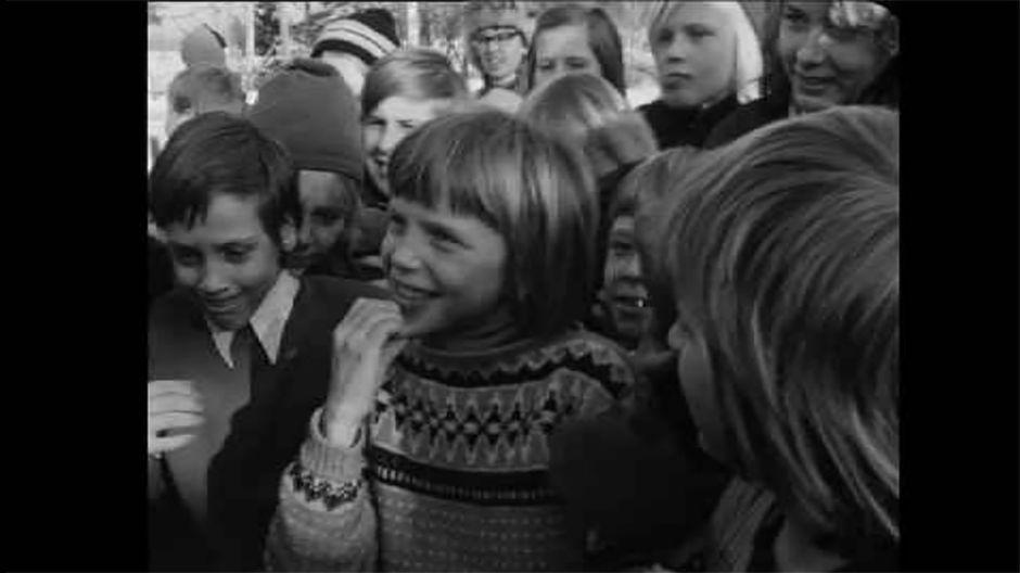 Historioitsija Jari Leskisen tutkimuksen mukaan 1970-luvun puolivälissä toteutettu marxilainen peruskouluopetus Pirkkalassa on ollut paljon kerrottua laajempaa. Opetusta annettiin opetusministeriön ja kouluhallituksen siunauksella ensimmäiseltä luokalta yhdeksännelle saakka. Aineisto oli peräisin neuvostoliittolaisesta ja muusta marxilaista opetusmateriaalista.