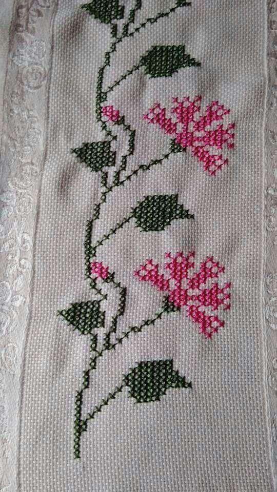 Pin von Celestina Mansolino auf Embroidered | Pinterest | Bordüren ...