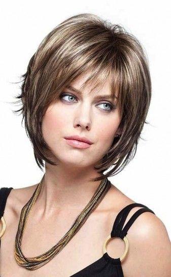 Taglio di capelli bob foto