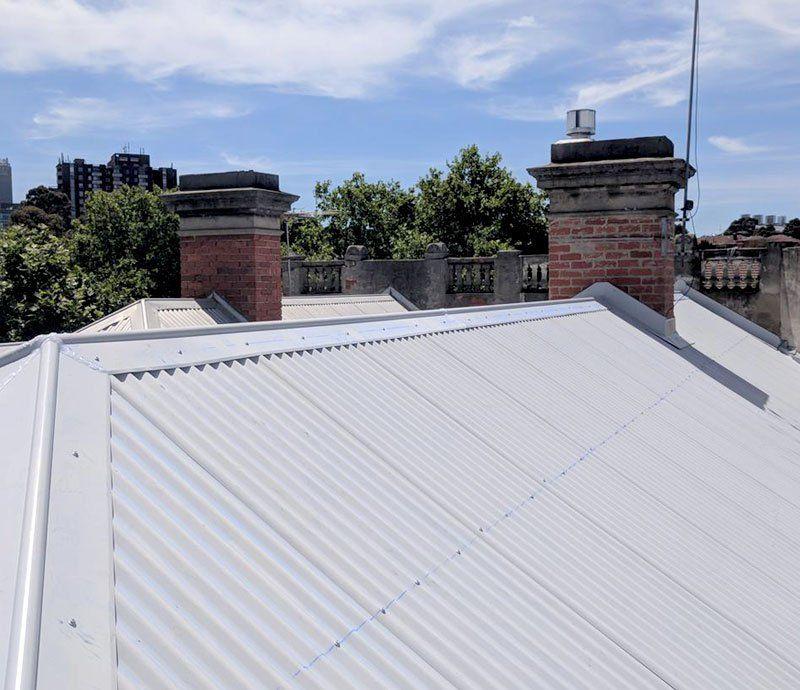 Colorbond Roof Installation Melbourne Colorbond Roofing Melbourne In 2020 Metal Roof Installation Roof Installation Roofing