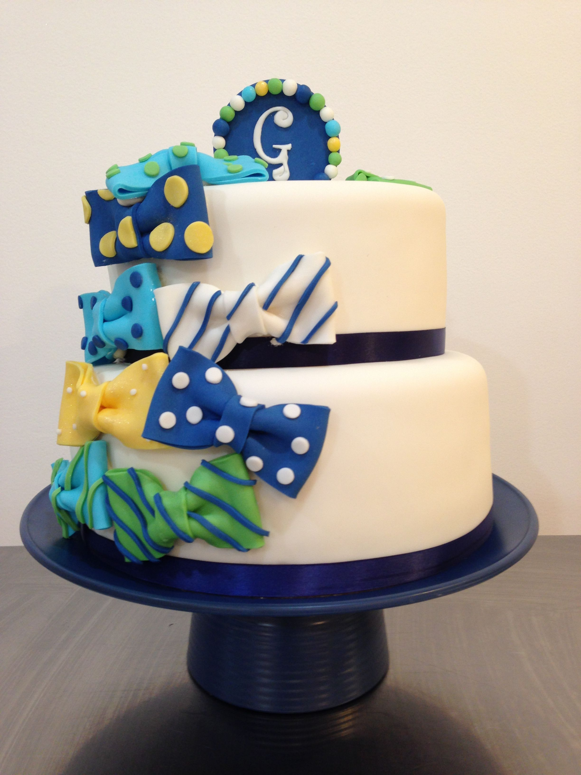 Outstanding Bow Tie Cake For A Baby Shower With Images Baby Shower Cakes Funny Birthday Cards Online Amentibdeldamsfinfo