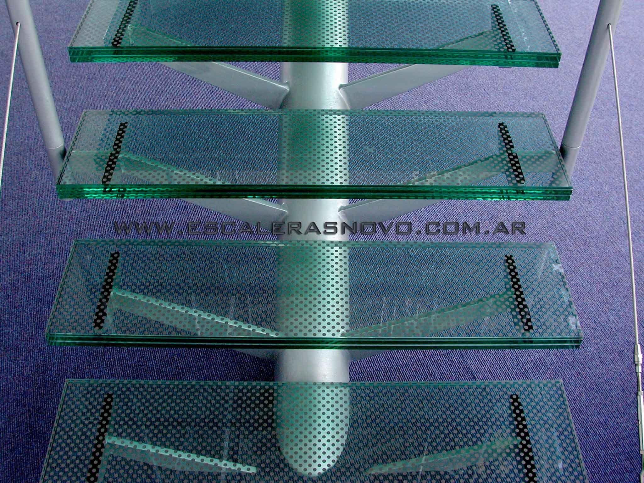 Escalera de vidrio venta de escaleras y barandas novo for Barandas de escalera
