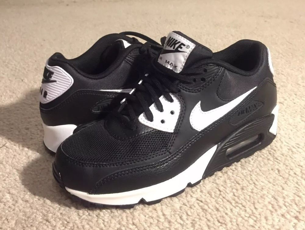 Nike Air Max 90 Essential New With Defect Has Slight