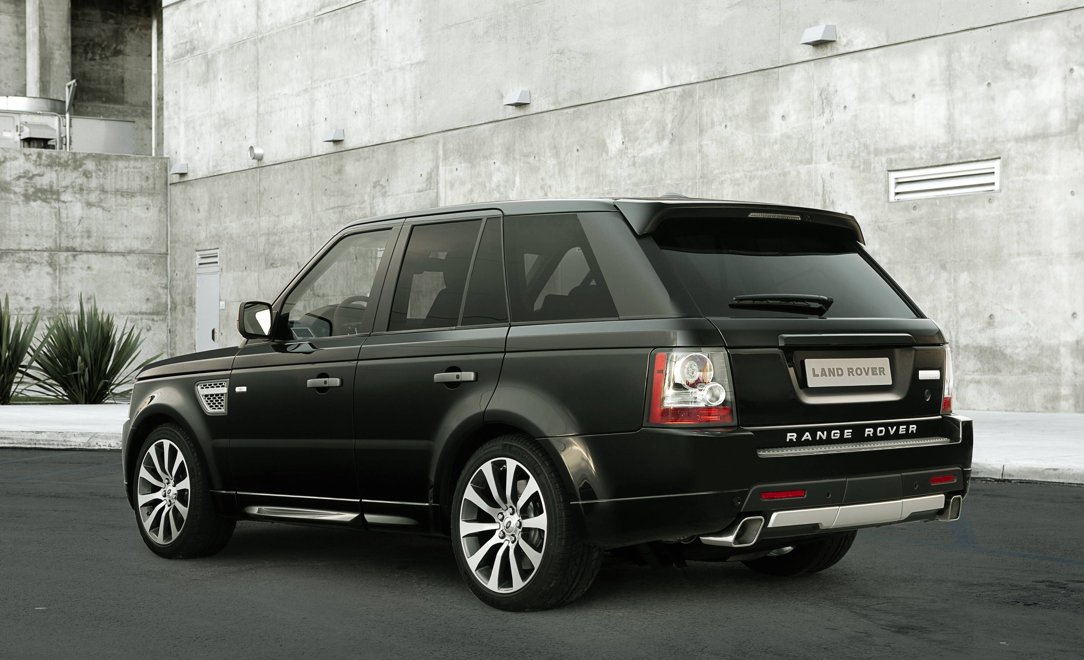 I Could Wear My Pumps In This Fact Range Rover Sport Range Rover Sport Autobiography Range Rover Supercharged