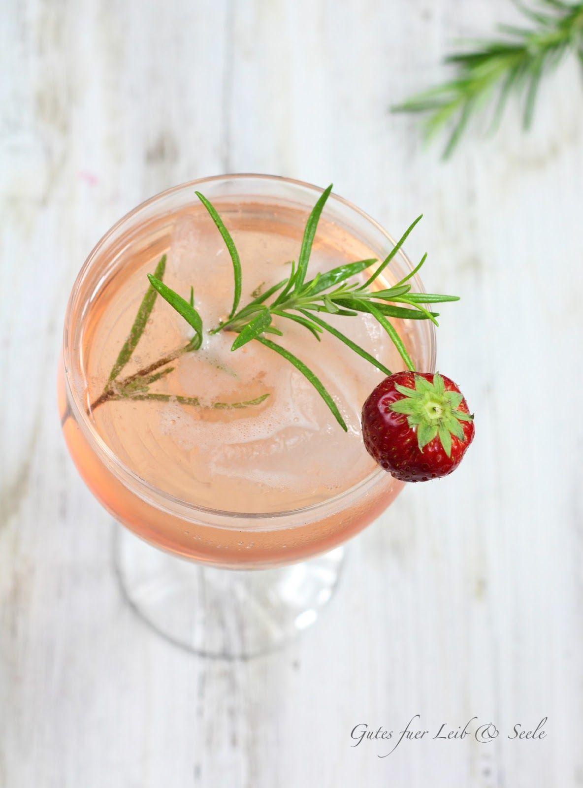 Gutes für Leib & Seele: Erdbeer-Rosmarin-Sirup