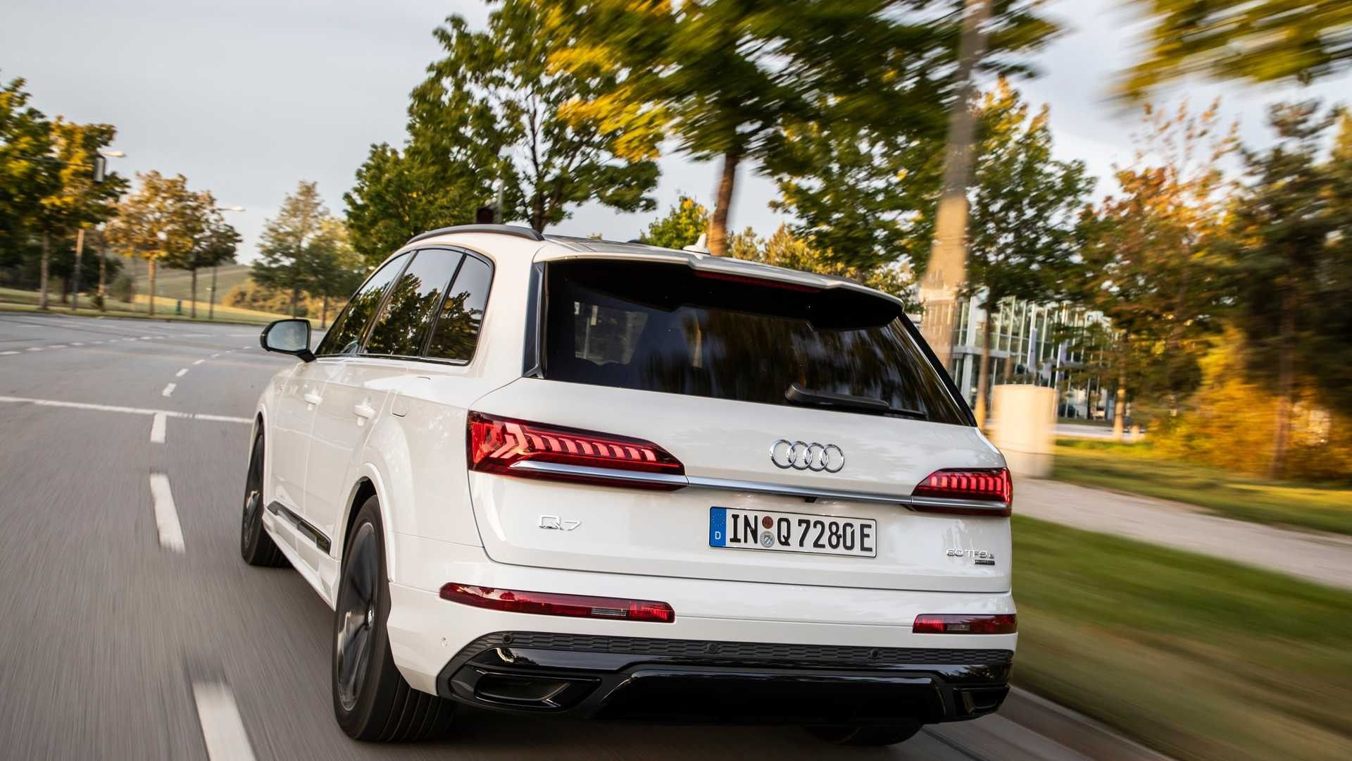 Audi Q7 Tfsi E Big Crossover Gets Two Hybrid Versions With Very Modest Appetite