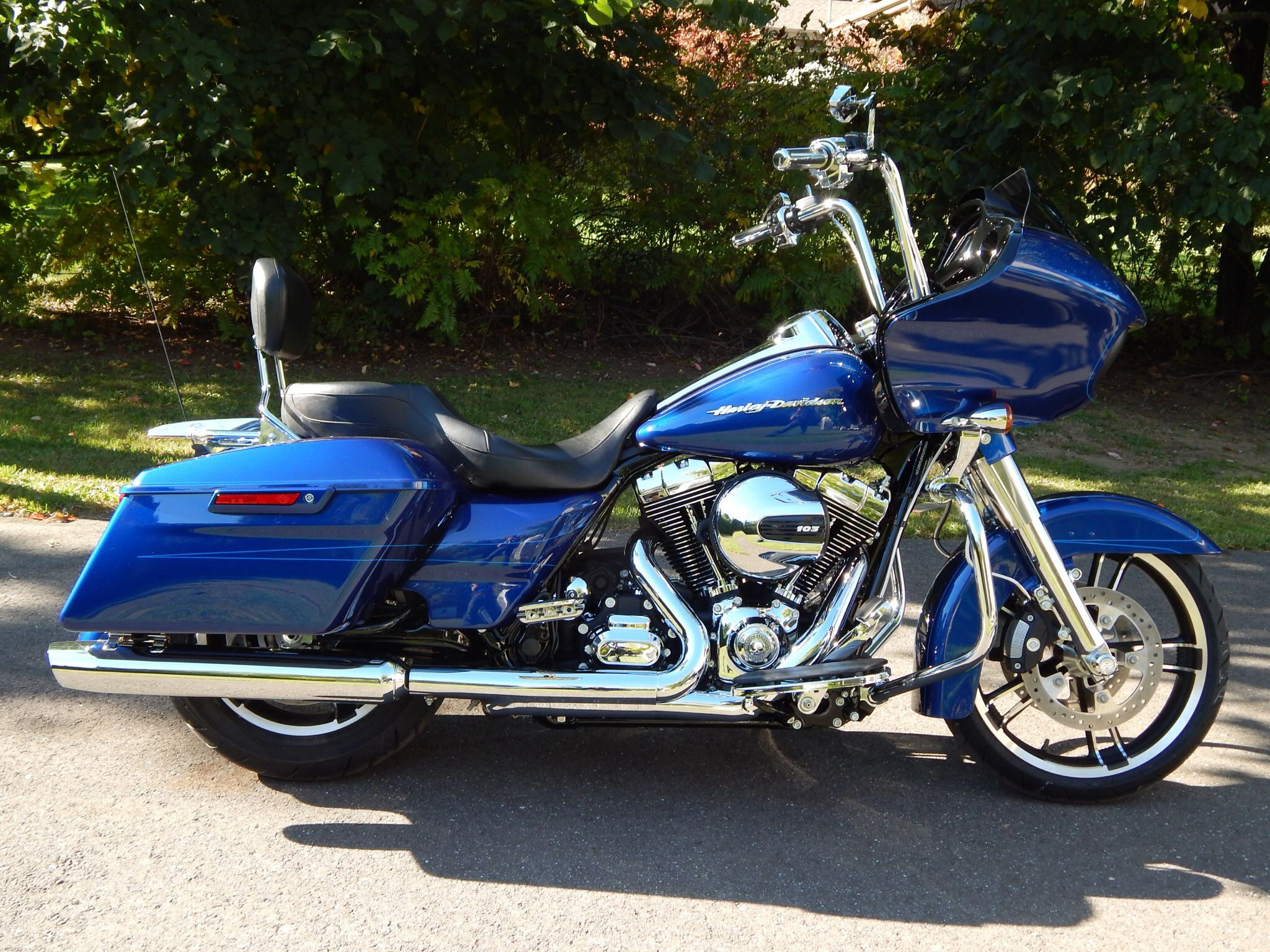 My new 2015 road glide special with 14 apes tallboy seat and chrome fork