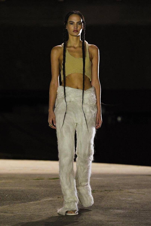 Yeezy Rtw Fall 2020 In 2020 Yeezy Fashion Fashion Kanye Fashion