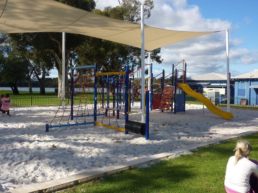 Deep Water Point playground. Perth, Swan River #familytravel  http://toddlersontour.com.au/2012/07/by-the-swan-river-july-2012/