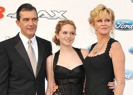 Stella Banderas with Dad Antonio and Melanie Griffith