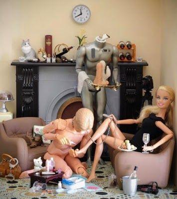 WindelCucki - Sissy Cuckold Lifestyle  -  verschossen und verschlossen im Holy Trainer: Sogar Barbie ...