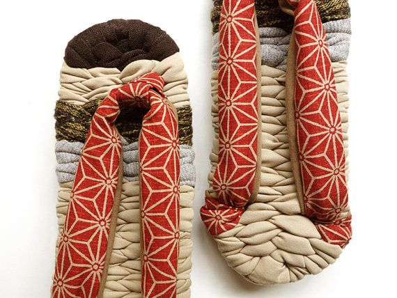 Zori Japanese Slippers with Japanese traditional pattern straps - 麻の葉 ASA NO HA - Room shoes, flip flop for inside, Brown beige