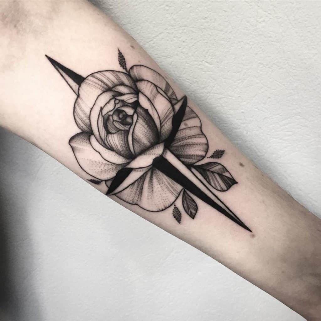 Significato Della Rosa Dei Venti Tattoo Scopriamolo Insieme Con