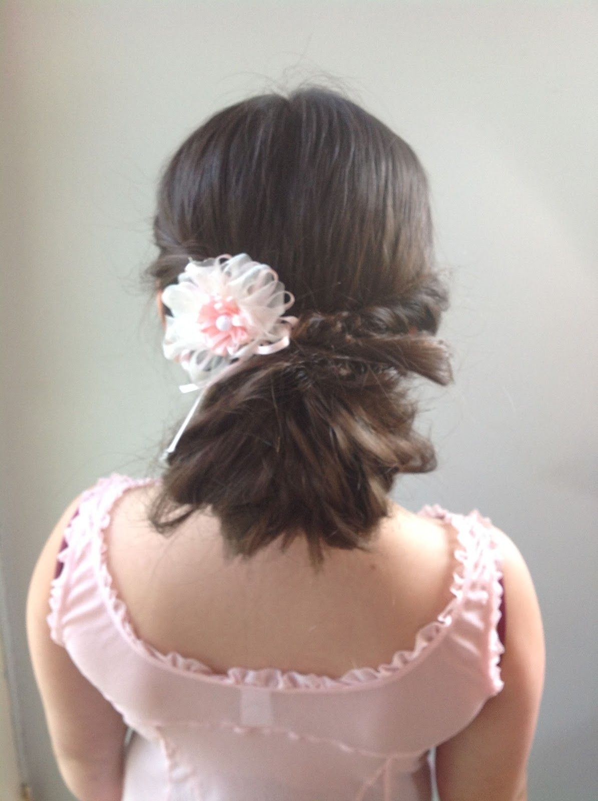Learn how to do this beautiful Updo.... Rapunzel's Mother Hair-do's and How-to's | Curly Flipped Bun