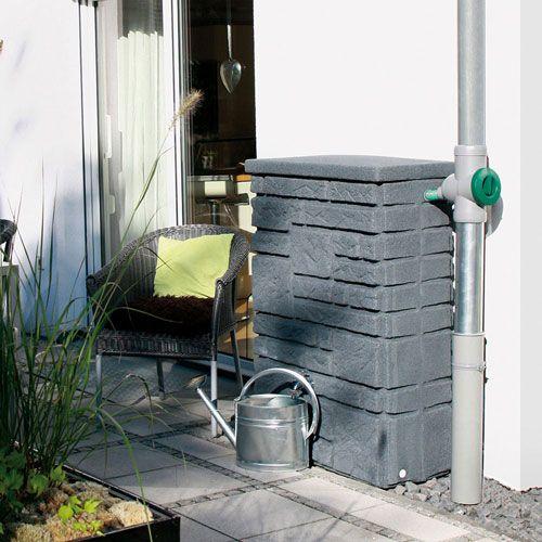 naturgetreue regentonne in form einer natursteinmauer in der farbe black granit mit optionaler. Black Bedroom Furniture Sets. Home Design Ideas