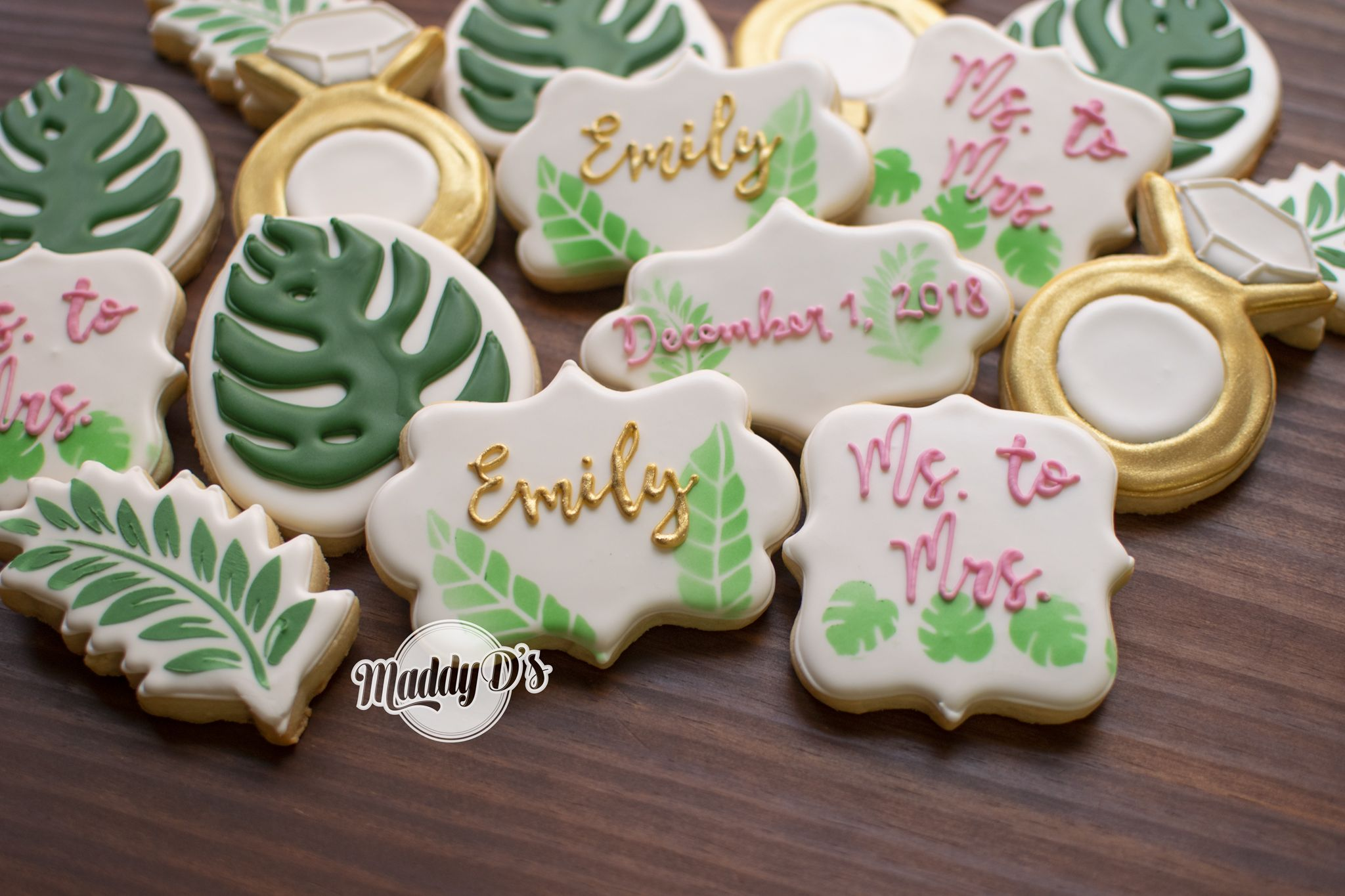 Bridal shower cookies in the beautiful pink/rose gold