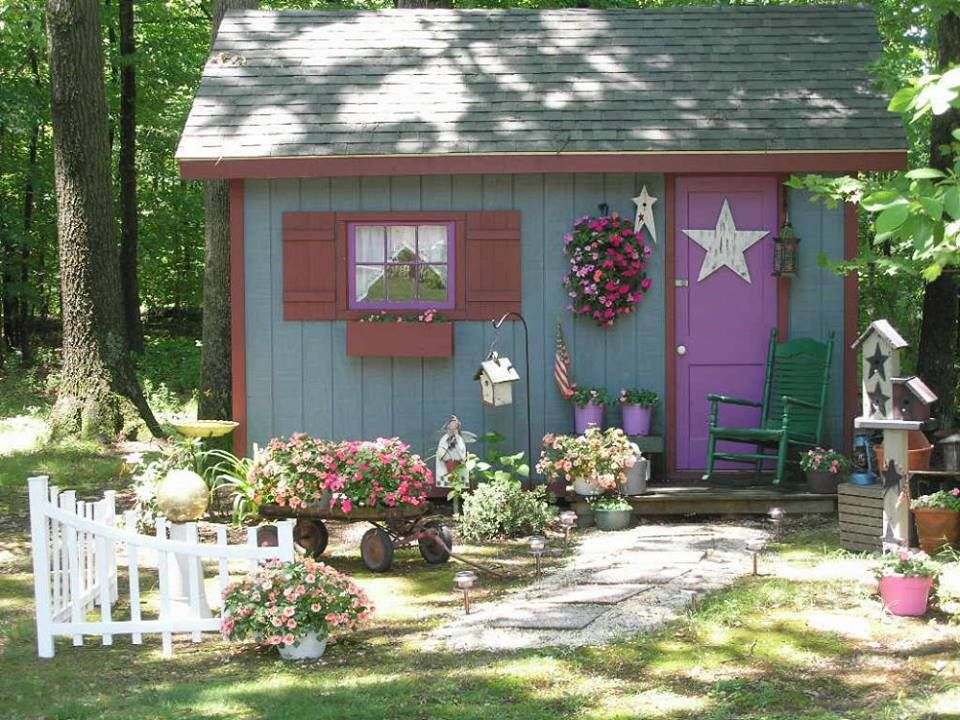 con jardin | Shed design, Building a shed, Charming garden