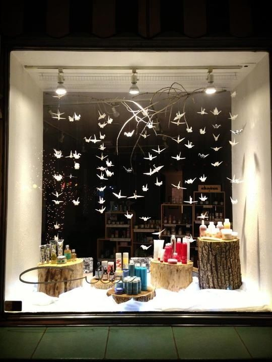 Beautiful display for products window displays for Salon xmas decorations