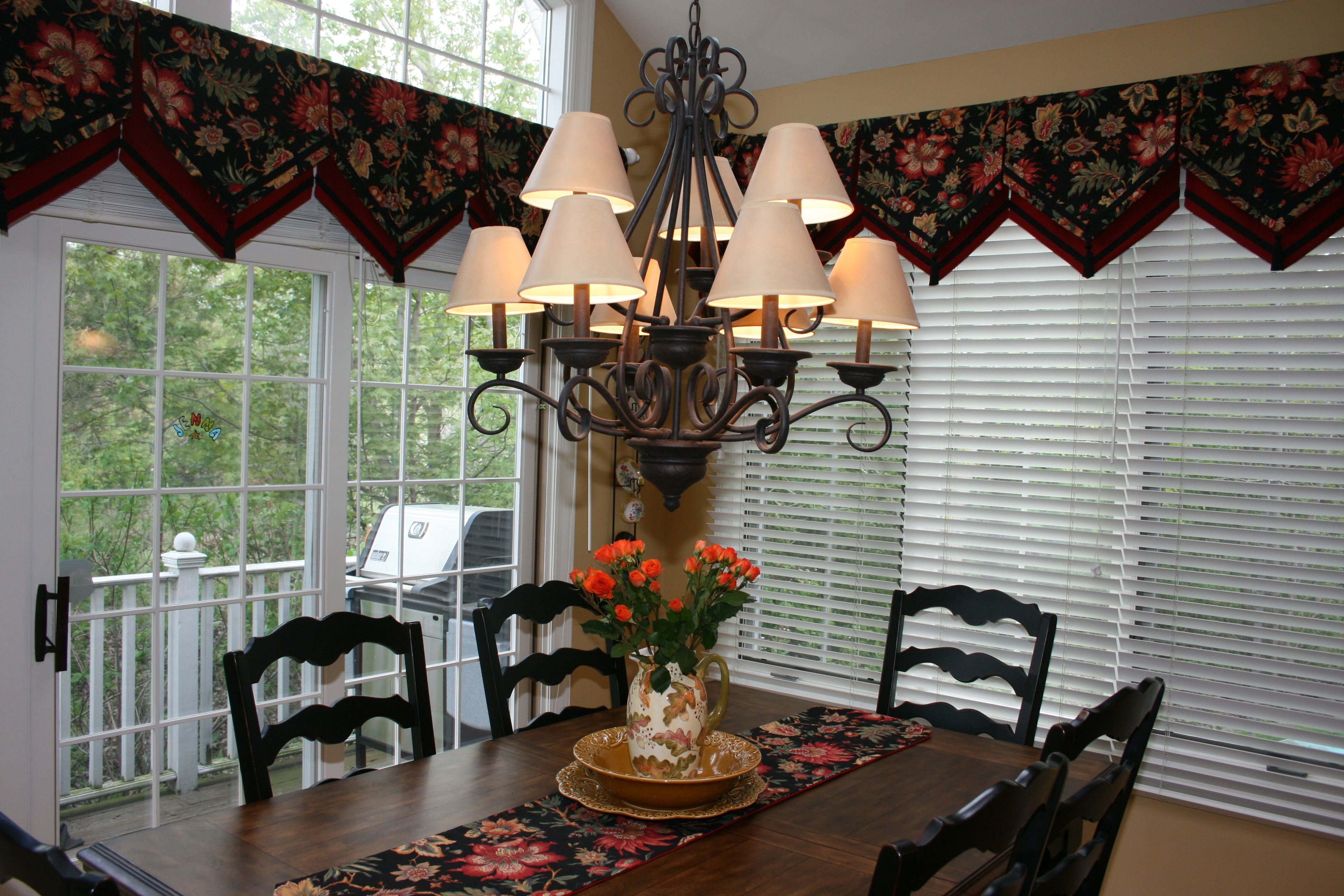 Great triangle valance for a kitchen dining room pinterest
